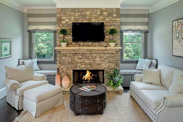 Fireplace with side seatings #fireplacemantel #fireplace #mantel #homedecor #decorhomeideas