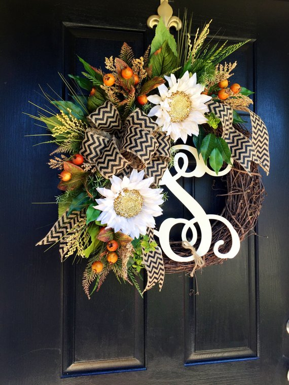 Flowers Fall Wreath #wreath #falldecor #fallwreath #falldecoration #decorhomeideas