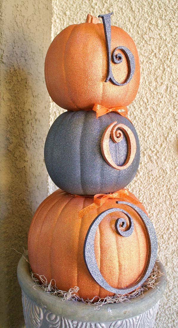Glitter Pumpkin Topiary #pumpkin #falldecor #nocarve #homedecor #decorhomeideas