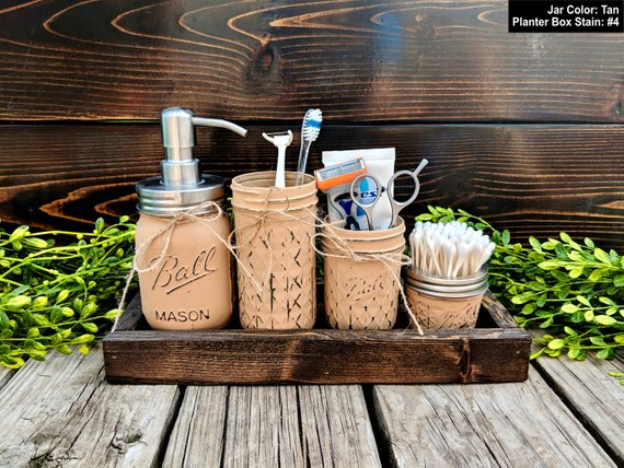 Mason Jars Country Bathroom Decor #countrybathroom #countrydecor #bathroom #farmhouse #decorhomeideas