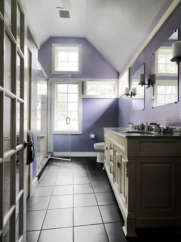 Master bathroom in purple #purplebathroom #purple #bathroom #lavender #bathroomideas #decorhomeideas