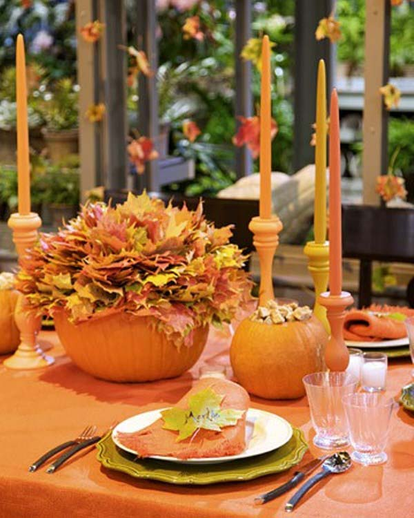 Pumpkins and Candles Centerpiece #pumpkindecor #centerpiece #falldecor #decorhomeideas
