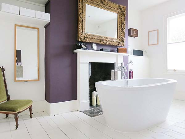 Purple accent wall in bathroom #purplebathroom #purple #bathroom #lavender #bathroomideas #decorhomeideas