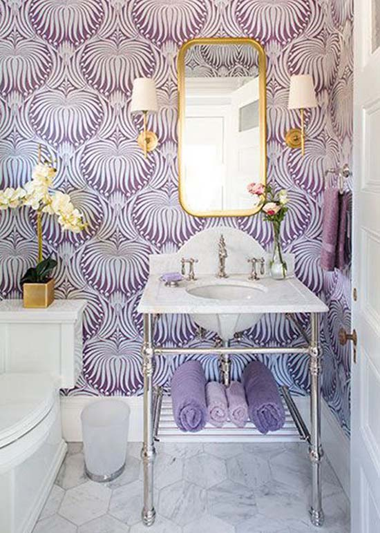 Purple bathroom wallpaper decoration #purplebathroom #purple #bathroom #lavender #bathroomideas #decorhomeideas