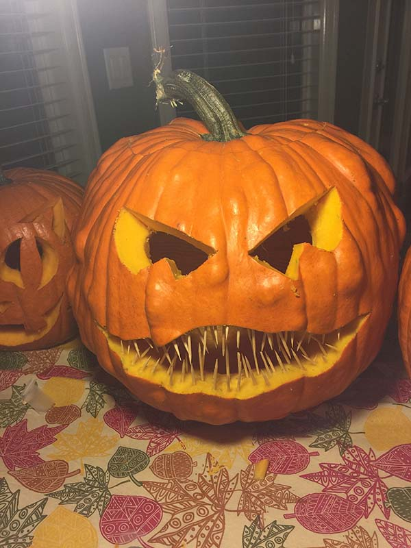 Scary Carved Pumpkin Idea #pumpkin #carving #halloween #falldecor #decorhomeideas