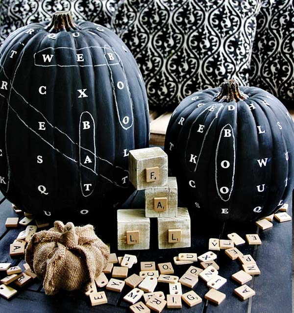 Word find chalkboard pumpkin #pumpkin #falldecor #nocarve #homedecor #decorhomeideas