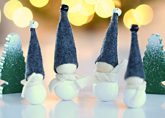 Aarikka Inspired Jingle Bell Elves #Christmas #Christmasdecor #budget #diy #decorhomeideas