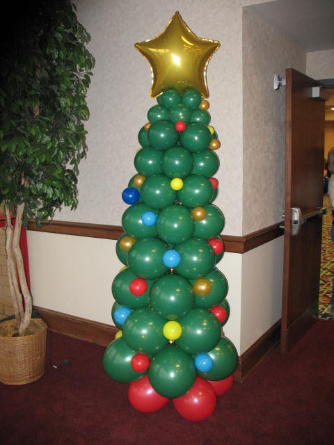 Balloon Christmas Tree #Christmas #Christmastree #homemade #DIY #Christmasdecor #decorhomeideas