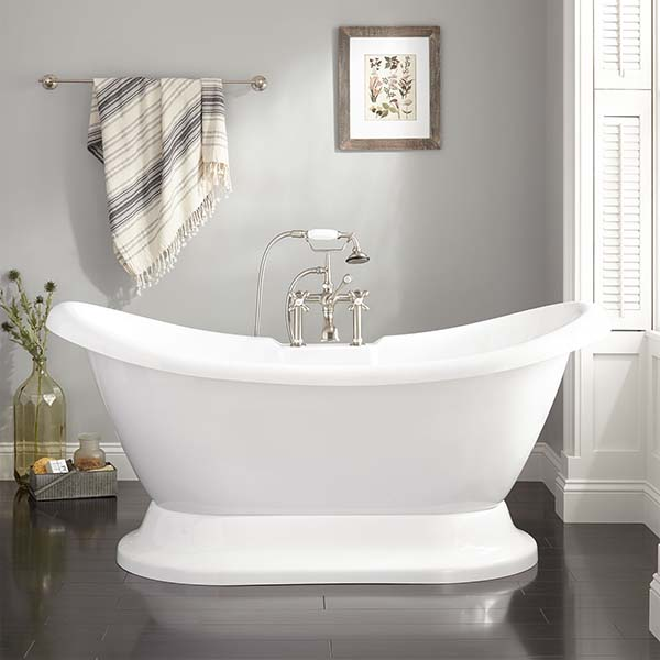 Bathroom Pedestal Tub