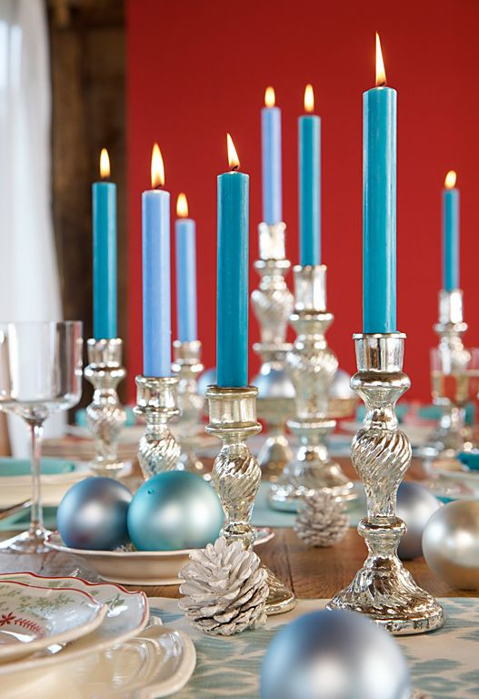Blue Candles Christmas Decoration #Christmas #Christmasdecor #blue #silver #turquoise #decorhomeideas