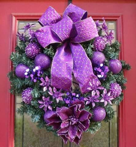 Bow Tie Purple Christmas Wreath #Christmasdecor #purple #Christmas #decorhomeideas