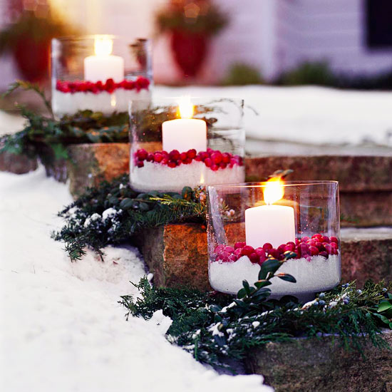 Candles and Cranberries #Christmasdecor #Christmas #outdoor #decorations #decorhomeideas