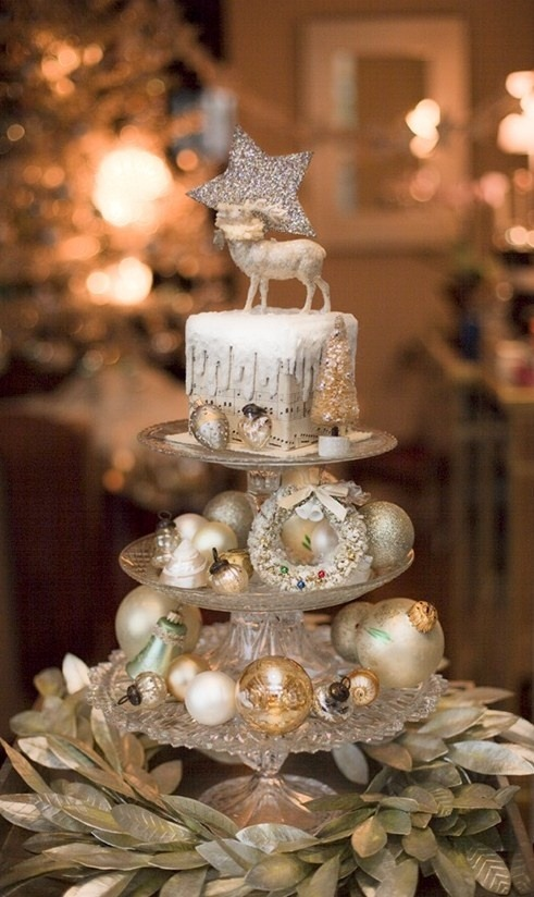 Christmas Centerpiece In Silver And Gold