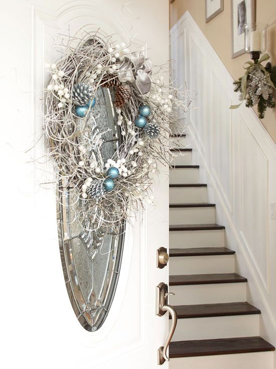 Christmas Decorated Mirror #Christmas #Christmasdecor #blue #silver #turquoise #decorhomeideas