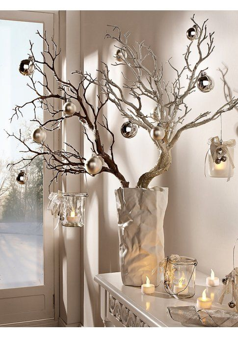 Christmas Decorations In Gold and Silver #Christmas #centerpieces #Christmasdecor #decorhomeideas