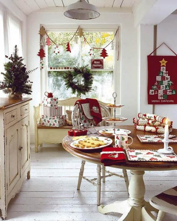 Christmas Kitchen Decorated In Red #Christmas #Christmasdecor #kitchen #Christmaskitchen #decorhomeideas