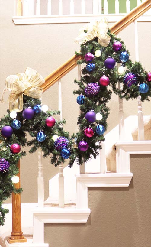 Christmas Staircase Purple Accents #Christmasdecor #purple #Christmas #decorhomeideas