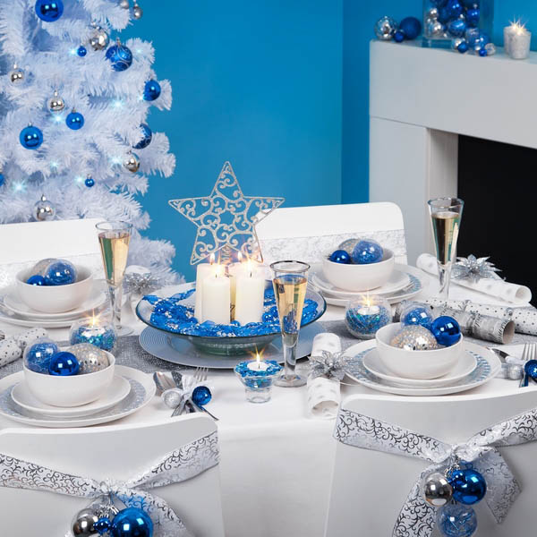 Christmas Table Setting In Blue #Christmas #Christmasdecor #blue #silver #turquoise #decorhomeideas