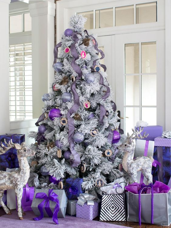Christmas Tree Decorated In Purple #Christmasdecor #purple #Christmas #decorhomeideas