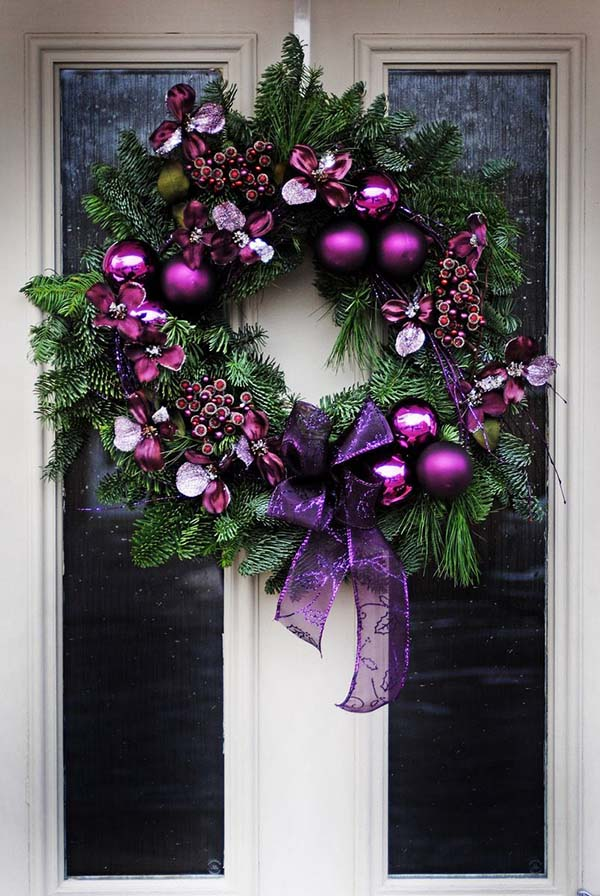 Christmas Wreath In Purple #Christmasdecor #purple #Christmas #decorhomeideas