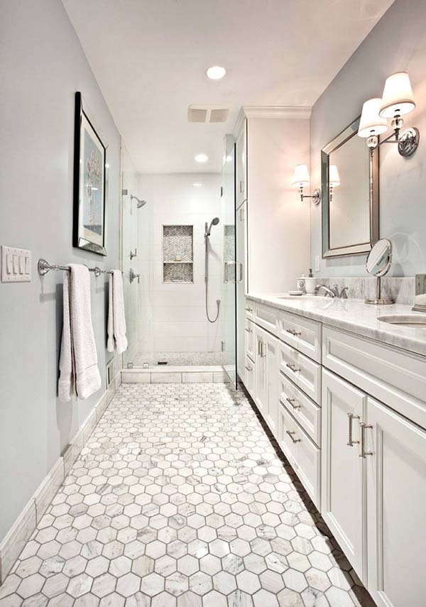 Classic Design Narrow Bathroom #bathroom #narrow #narrowbathroom #decorhomeideas