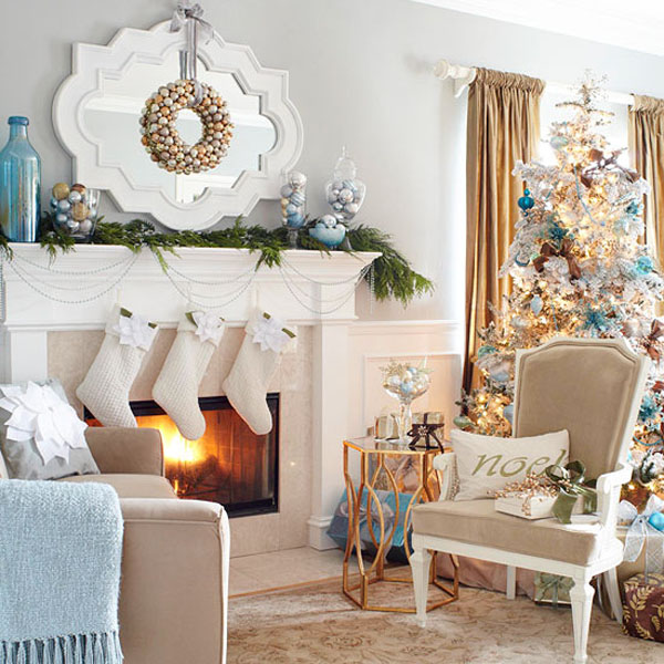 Coastal inspired Christmas Decor #Christmasdecor #Christmas #livingroom #decorhomeideas