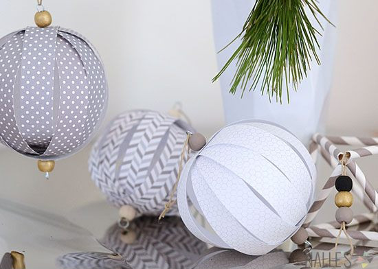 DIY Paper Ball Ornaments #Christmas #Christmasdecor #budget #diy #decorhomeideas