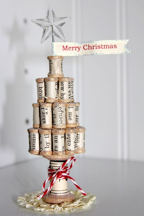 DIY Spool Christmas Tree #Christmas #Christmastree #homemade #DIY #Christmasdecor #decorhomeideas