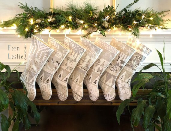 Farmhouse Christmas Decor Stockings #farmhouse #Christmas #Christmasdecor #farmhousedecor #decorhomeideas
