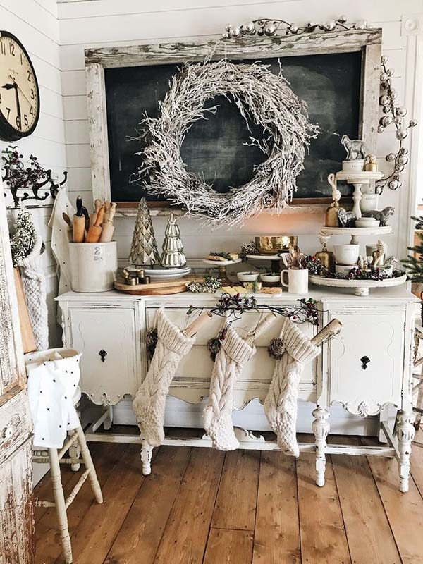 Farmhouse Country Christmas Decor #farmhouse #Christmas #Christmasdecor #farmhousedecor #decorhomeideas
