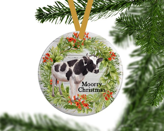 Farmhouse Cow Christmas Ornament #farmhouse #Christmas #Christmasdecor #farmhousedecor #decorhomeideas