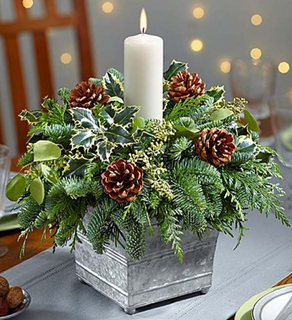 Galvanized Container Candle Centerpiece #Christmas #centerpieces #Christmasdecor #decorhomeideas