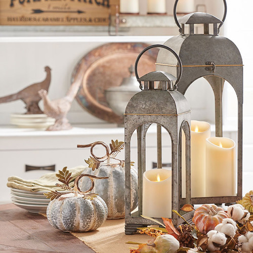 Galvanized metal candle lanterns #rusticbedroom #rustic #bedroom #farmhouse #decorhomeideas