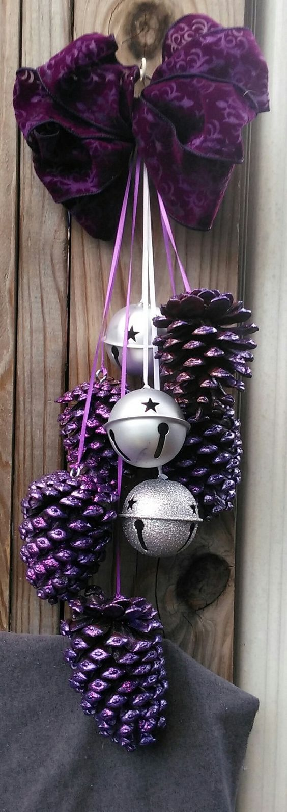 Glitter Purple Pinecones With Swag #Christmasdecor #purple #Christmas #decorhomeideas