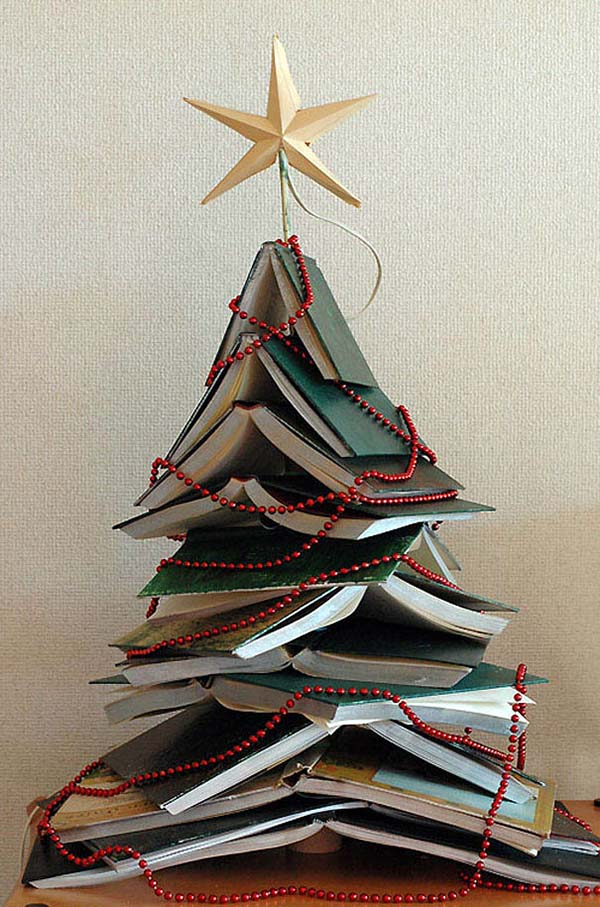 Hardcover Christmas Tree #Christmas #Christmastree #homemade #DIY #Christmasdecor #decorhomeideas