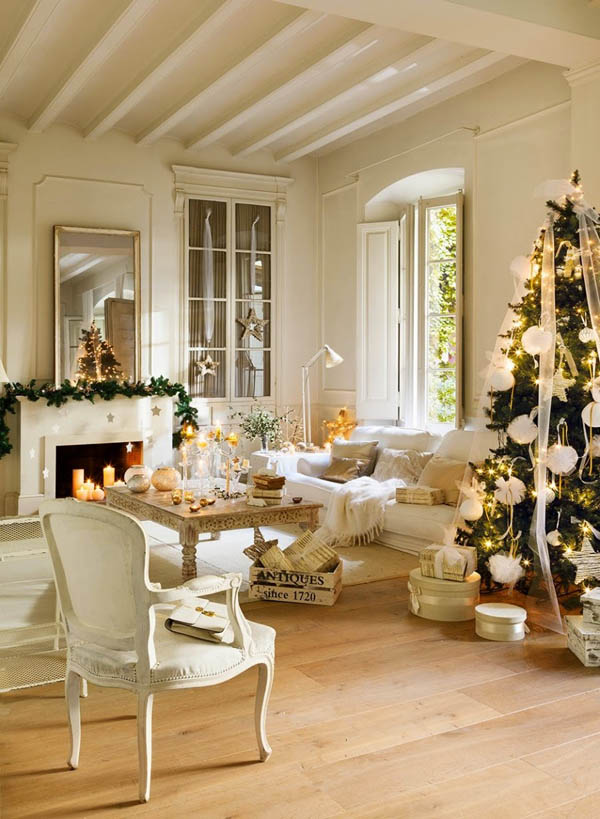 Light Colored Living Room #Christmasdecor #Christmas #livingroom #decorhomeideas