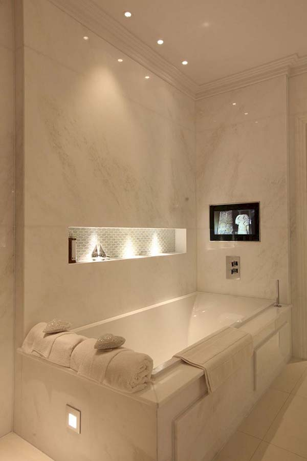 Modern Bathtub With TV