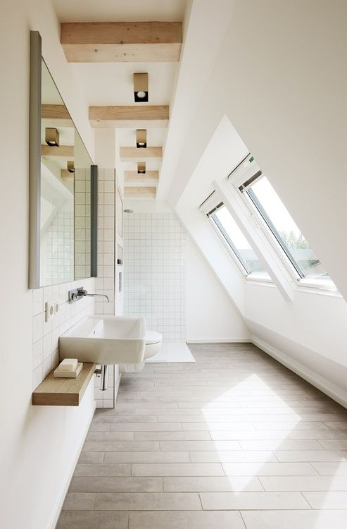 Narrow Attic Bathroom Design #bathroom #narrow #narrowbathroom #decorhomeideas