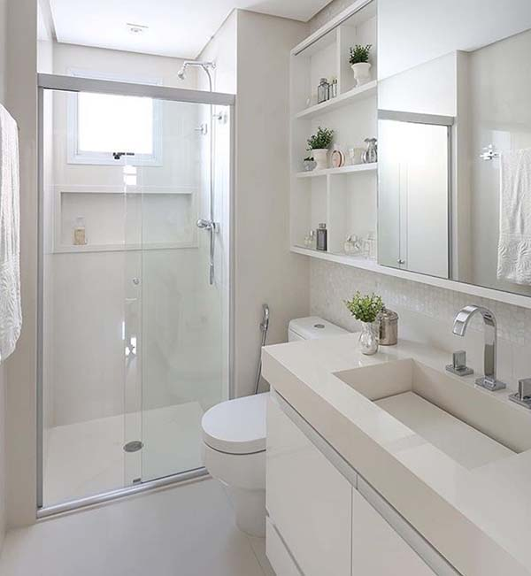 Narrow Bathroom With Walk-In Shower #bathroom #narrow #narrowbathroom #decorhomeideas