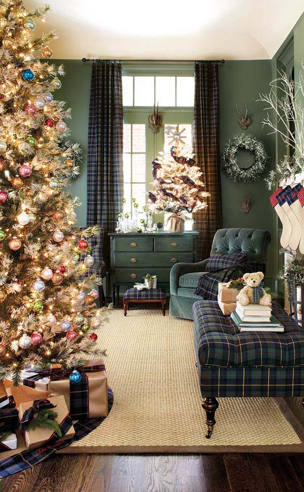 Olive Green Living Room Christmas Decor #Christmasdecor #Christmas #livingroom #decorhomeideas