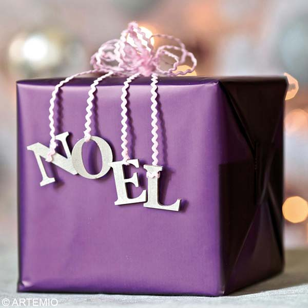 Present Wrapping In Purple #Christmasdecor #purple #Christmas #decorhomeideas