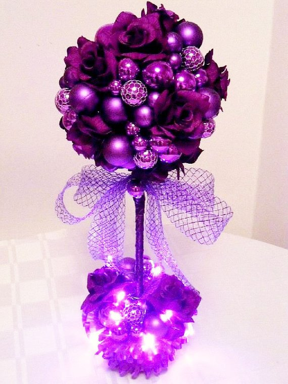 Purple Christmas Topiary Tree #Christmasdecor #purple #Christmas #decorhomeideas
