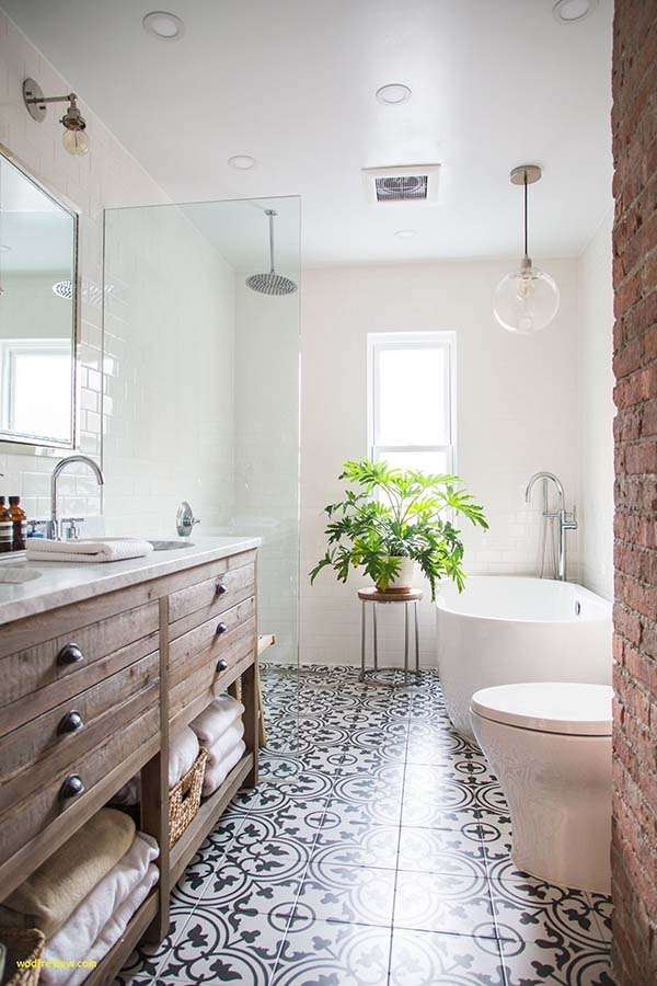 Renovated narrow bathroom #bathroom #narrow #narrowbathroom #decorhomeideas