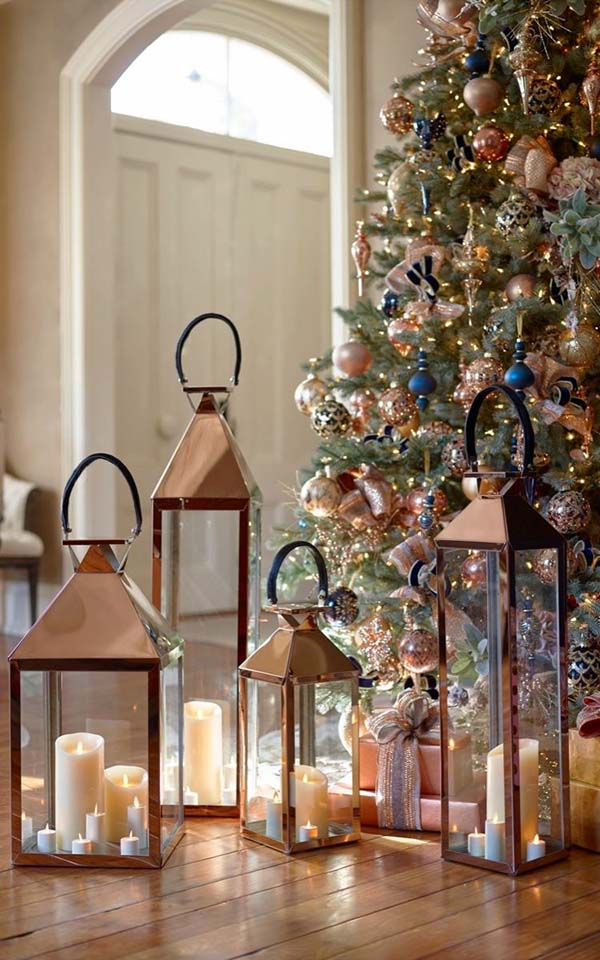 Rose Gold Christmas Lanterns #rosegold #Christmas #Christmasdecor #rosegolddecor #decorhomeideas