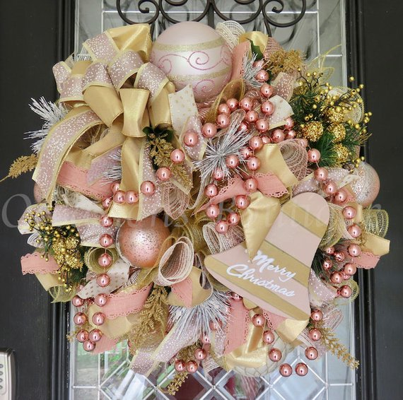 Rose Gold Christmas Wreath #rosegold #Christmas #Christmasdecor #rosegolddecor #decorhomeideas