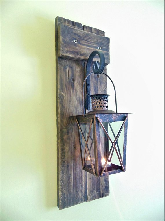 Rustic Farmhouse Lantern #rusticbedroom #rustic #bedroom #farmhouse #decorhomeideas