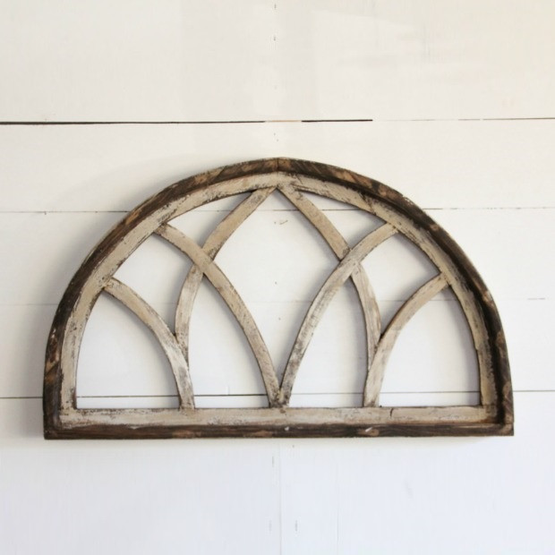 Rustic Venetian Window Frame #rusticbedroom #rustic #bedroom #farmhouse #decorhomeideas