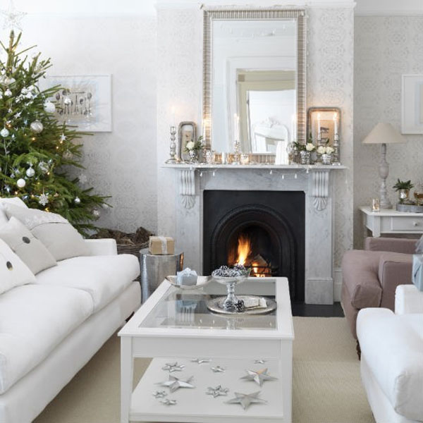 Silver and Green Decor Living Room #Christmasdecor #Christmas #livingroom #decorhomeideas