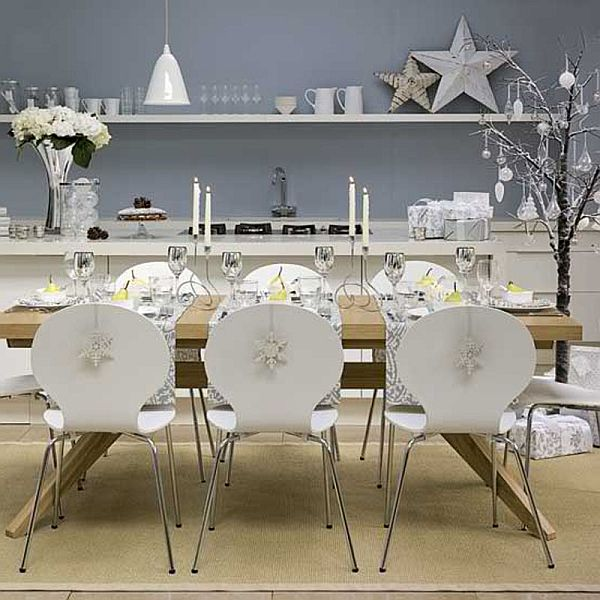 Silver and White Christmas Kitchen #Christmas #Christmasdecor #kitchen #Christmaskitchen #decorhomeideas