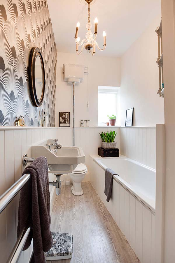 Simple Bathroom Design #bathroom #narrow #narrowbathroom #decorhomeideas